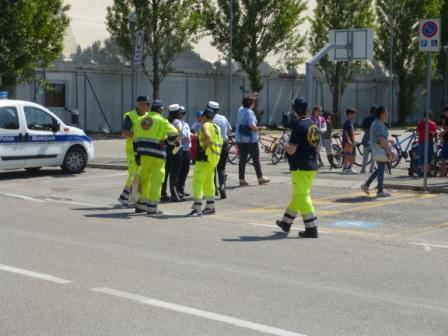 2017-05-21 bicicletta con le scuole